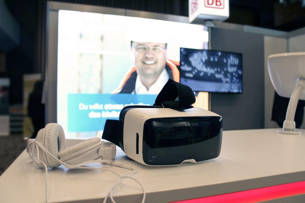 VR-Einsatz am DB-Messestand - Bildquelle: LaConcept