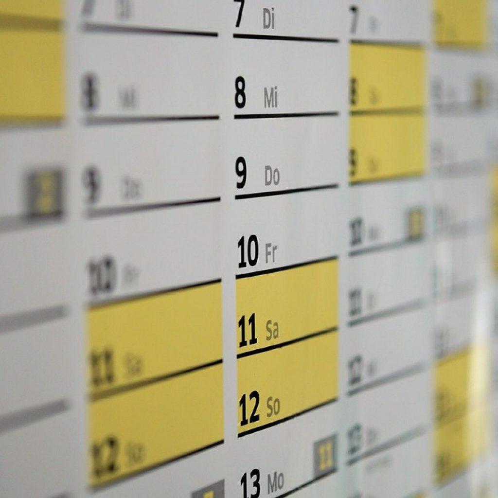 Weihnachtsgeschenke - Kundengeschenke - Wandkalender - Kalender drucken lassen - Bild webandi - pixabay
